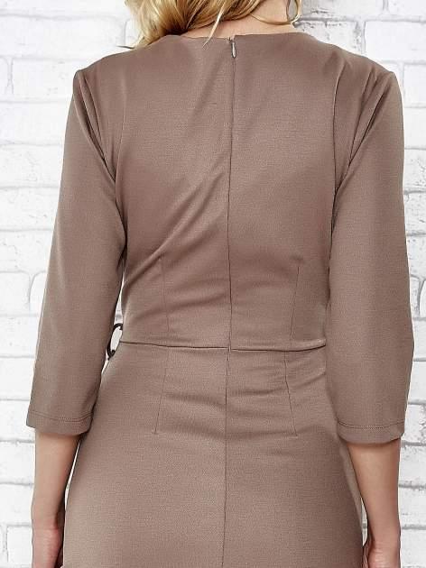 Brązowa rozkloszowana sukienka ze skórzanymi modułami                                  zdj.                                  6