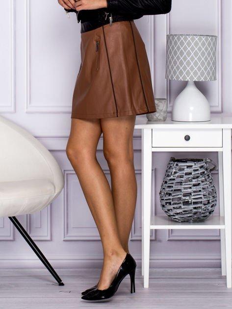 Brązowa skórzana spódnica mini z kieszeniami                                  zdj.                                  2