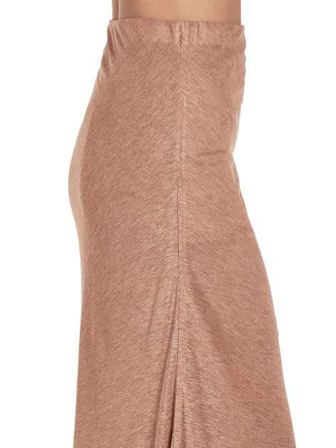 Brązowa spódnica maxi z drapowaniem i rozporkiem z boku                                   zdj.                                  6