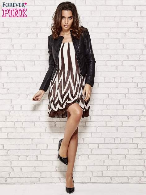 Brązowa sukienka w paski z bufiastymi rękawkami                                  zdj.                                  2