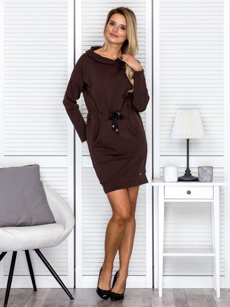 Brązowa sukienka z wstążkami                               zdj.                              4
