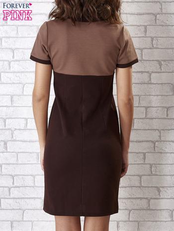 Brązowa sukienka ze złotymi guzikami                                  zdj.                                  2