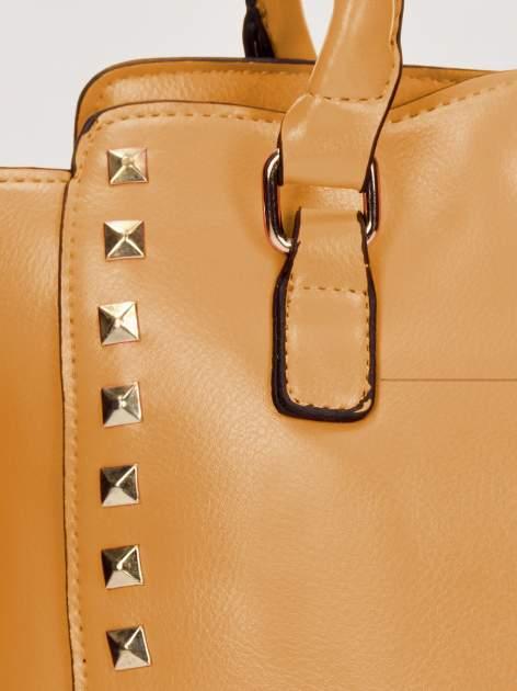 Brązowa torebka na ramię z dżetami                                  zdj.                                  9