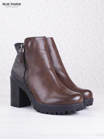 Brązowe botki faux leather z ciemną wstawką ze skóry węża zapinane na suwak