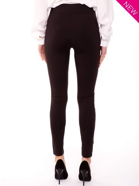 Brązowe legginsy z suwakami                                  zdj.                                  2