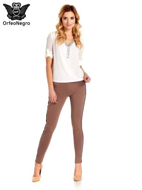 Brązowe spodnie materiałowe tregginsy ze skórzanym lampasem i zamkami                                  zdj.                                  4