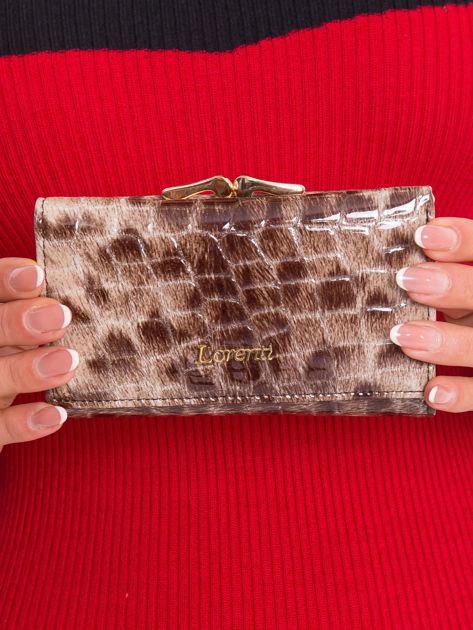 Brązowy damski portfel z motywem zwierzęcym