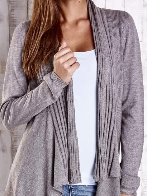 Brązowy długi sweter z wykończeniem w prążki                                  zdj.                                  5