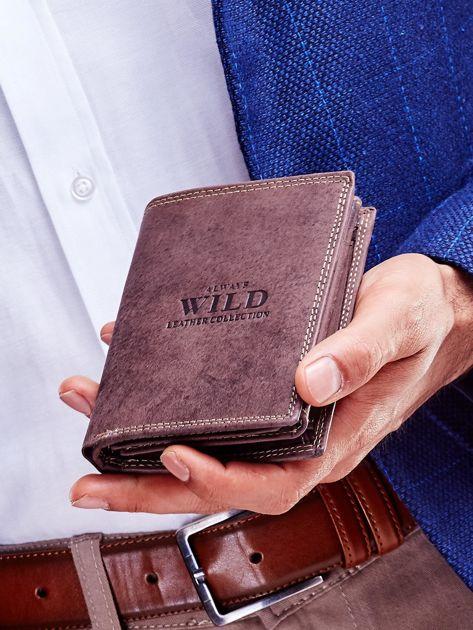 Brązowy portfel dla mężczyzny ze skóry z tłoczeniem