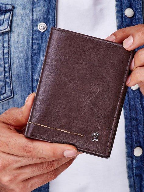 Brązowy portfel męski z przeszyciem                              zdj.                              1