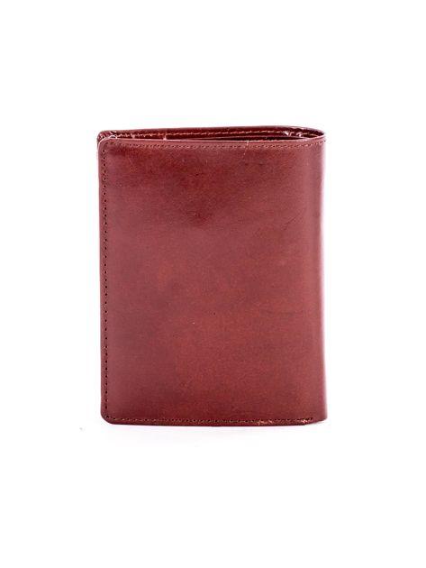 Brązowy portfel ze skóry naturalnej z napisem                              zdj.                              2