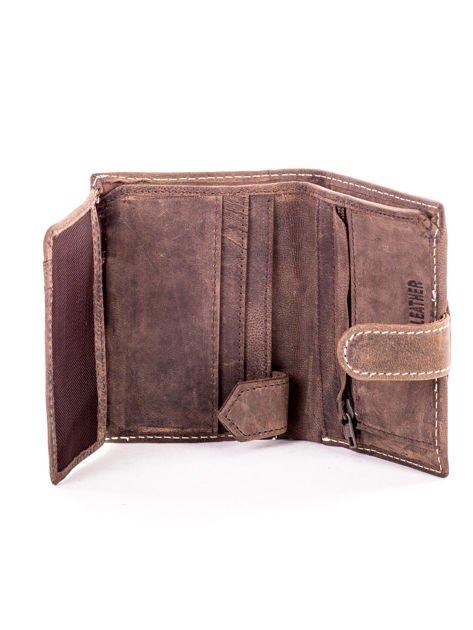 Brązowy portfel ze skóry z klapką                              zdj.                              5