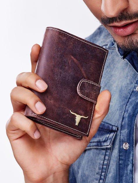 Brązowy skórzany portfel męski z zapięciem na zatrzask                              zdj.                              3