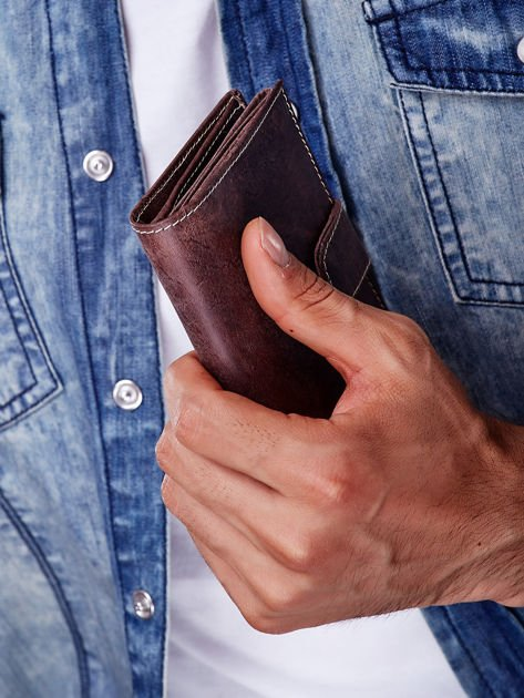 Brązowy skórzany portfel męski z zapięciem na zatrzask                              zdj.                              5
