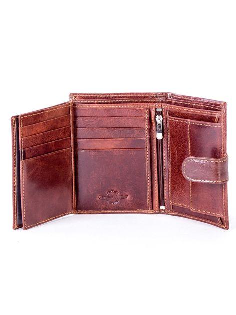 Brązowy skórzany portfel z tłoczeniem i zapięciem na zatrzask                              zdj.                              6