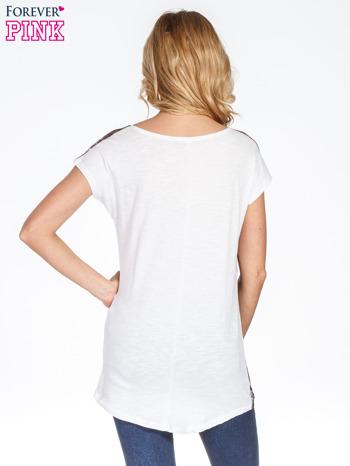 Brązowy t-shirt w ciapki                                  zdj.                                  4