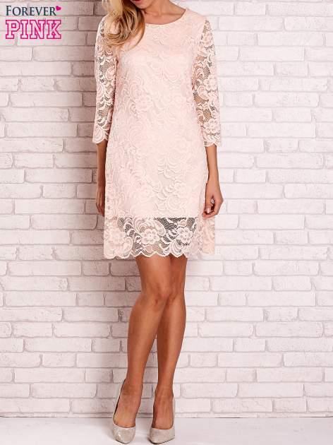 Brzoskwiniowa koronkowa sukienka z wiązaniem na plecach                                  zdj.                                  2