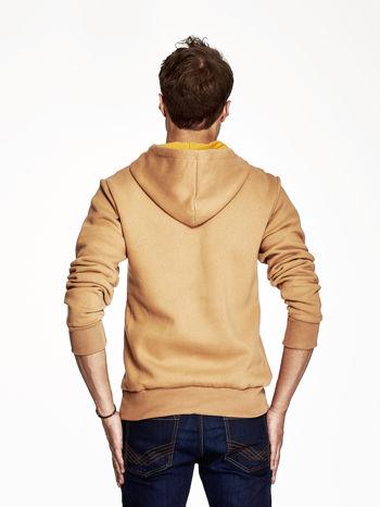 Camelowa bluza z kapturem z motywem Popeye                                  zdj.                                  2