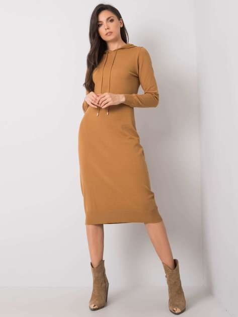 Camelowa sukienka z kapturem Asencion