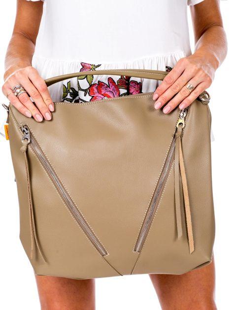 Camelowa torba z ukośnymi suwakami                              zdj.                              2