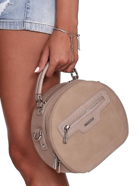 Camelowa torebka kuferek z chwostem                              zdj.                              4