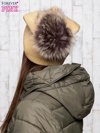 Camelowa wełniana czapka z futrzanym pomponem                                   zdj.                                  3