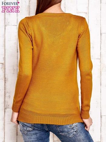 Camelowy dzianinowy sweter z wiązaniem                                  zdj.                                  3
