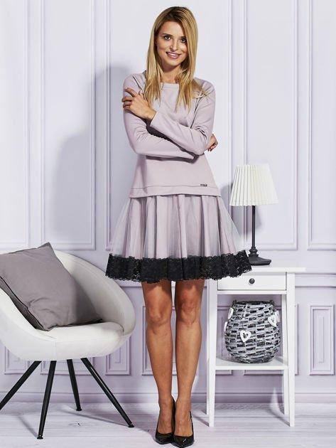 Ciemnobeżowa sukienka z tiulową spódnicą                                  zdj.                                  4