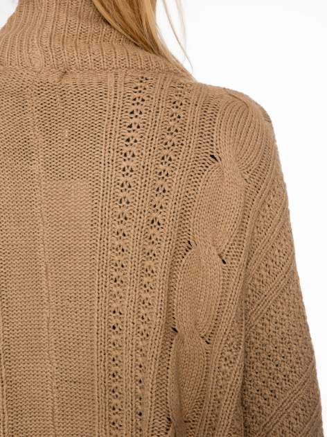 Ciemnobeżowy dziergany sweter typu otwarty kardigan                                  zdj.                                  7