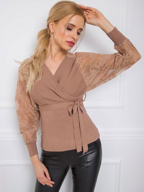 Ciemnobeżowy sweter Journee