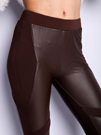 Ciemnobrązowe legginsy modelujące ze skórzanymi panelami                                  zdj.                                  5