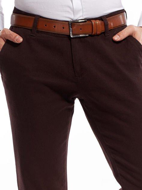 Ciemnobrązowe spodnie męskie chinos                              zdj.                              15
