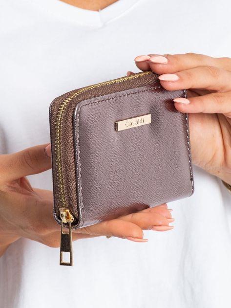 Ciemnobrązowy metaliczny portfel                              zdj.                              3