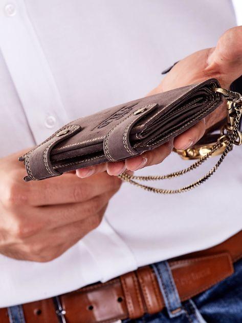 Ciemnobrązowy skórzany portfel męski z łańcuszkiem                              zdj.                              4
