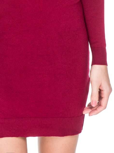 Ciemnoczerwona swetrowa sukienka z golfem                                  zdj.                                  6