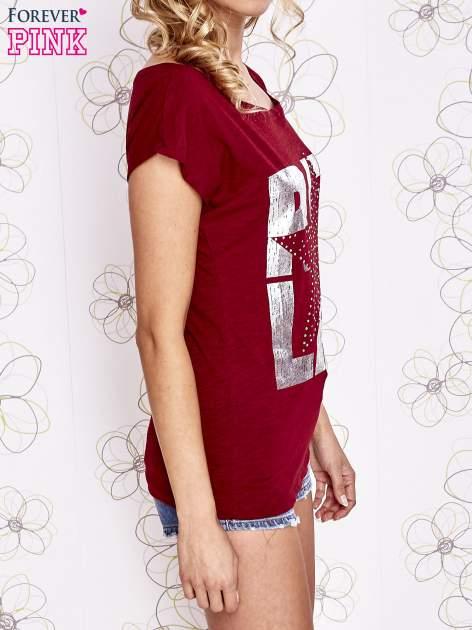 Ciemnoczerwony t-shirt z motywem gwiazdy i dżetami                                  zdj.                                  3