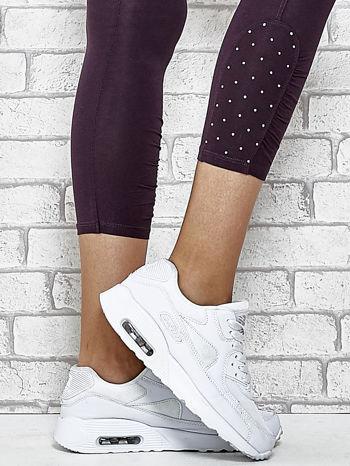 Ciemnofioletowe legginsy sportowe z aplikacją z dżetów na nogawkach                                  zdj.                                  7