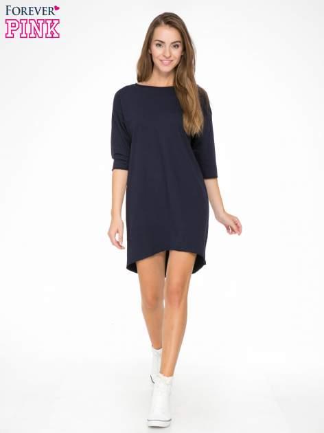 Ciemnogranatowa sukienka oversize z surowym wykończeniem                                  zdj.                                  2