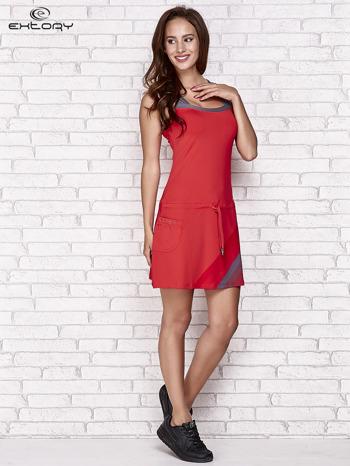 Ciemnokoralowa sukienka sportowa z szarymi wstawkami                                  zdj.                                  4