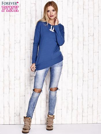 Ciemnoniebieska asymetryczna bluza z troczkami                                  zdj.                                  4