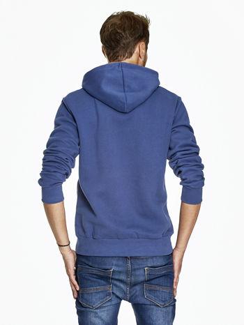 Ciemnoniebieska bluza męska z bokserskim nadrukiem                              zdj.                              2