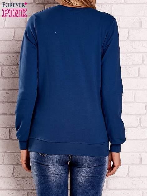 Ciemnoniebieska bluza z nadrukiem łapacza snów                                  zdj.                                  4