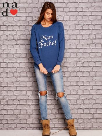 Ciemnoniebieska bluza z napisem MAM FOCHA                              zdj.                              2
