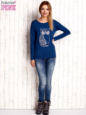 Ciemnoniebieska bluzka z aplikacją w kształcie sowy                                  zdj.                                  2