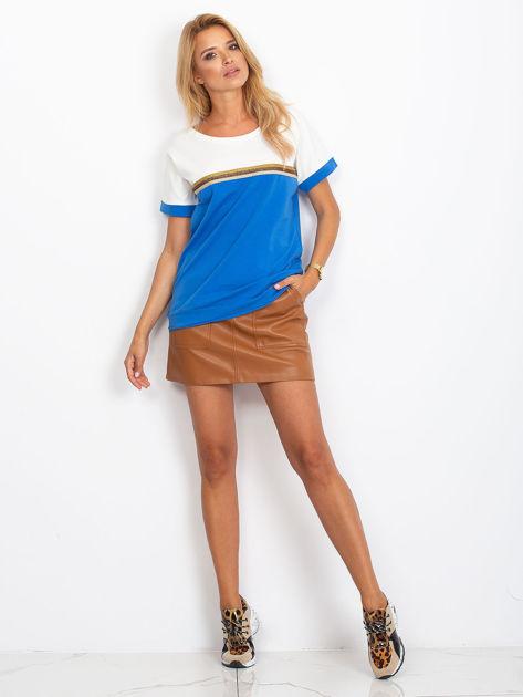 Ciemnoniebieska bluzka z dekoltem na plecach                              zdj.                              4