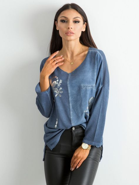 Ciemnoniebieska damska bluzka z nadrukiem                              zdj.                              1