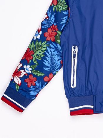 Ciemnoniebieska kurtka dziecięca z kwiatowymi rękawami                              zdj.                              3
