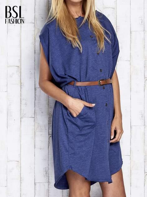Ciemnoniebieska melanżowa sukienka oversize z guzikami                                  zdj.                                  4