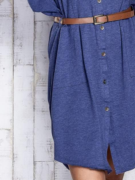 Ciemnoniebieska melanżowa sukienka oversize z guzikami                                  zdj.                                  7