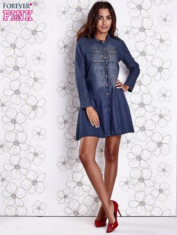 Ciemnoniebieska sukienka jeansowa z plecionymi elementami                                  zdj.                                  2